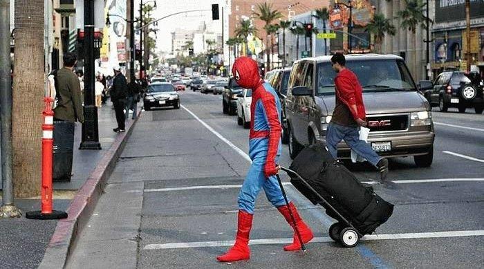 repos du héro, illustration par cosplay spiderman